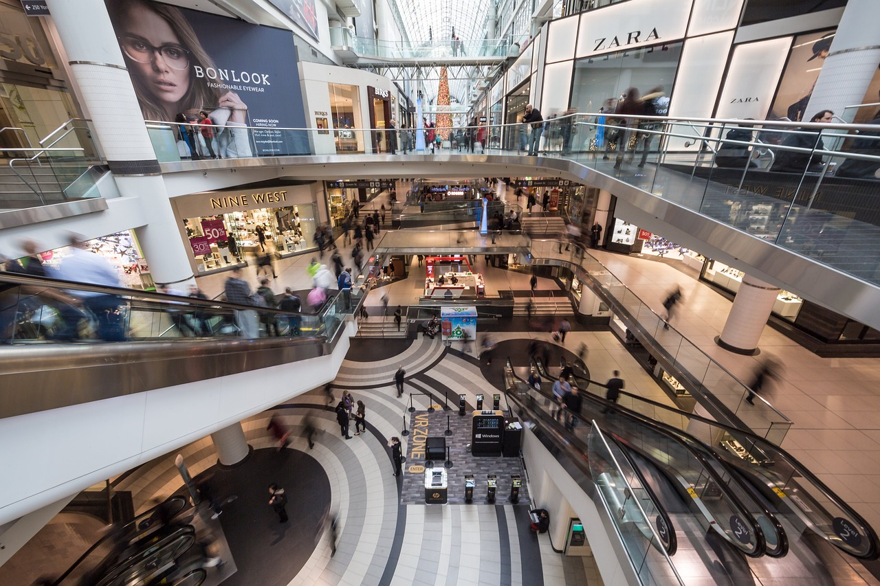 Interactive Technology and the Future of Shopping Malls as Public Spaces